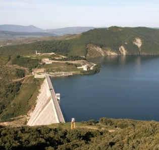 Pantano de Itoiz y Canal de Navarra
