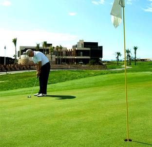 Urbanizaciones y campos de golf