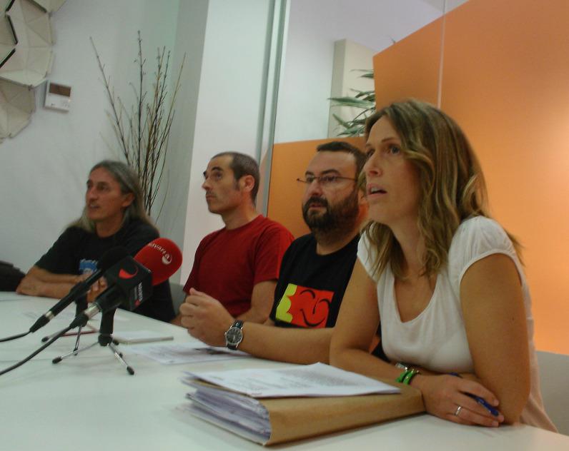 Foto de la rueda de prensa realizada cuando se conoció la sentencia de las DIAs del TAV navarro