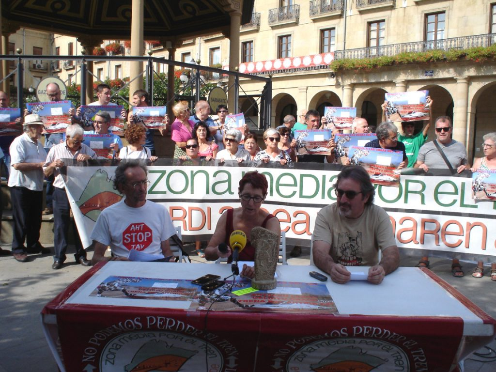 Rueda de prensa en Tafalla anuciar marcha a obras TAV, 20180921